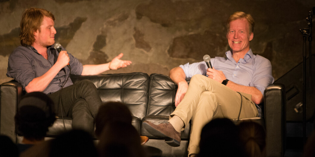 """On a comfortable sofa at Samfunnet Bislet, the international students got to know the principal, or president, of HiOA: Curt Rice. On the left, Helge Schwitters, officer of international affairs, <span class=""""caps"""">NSO</span>. Foto: Øyvind Aukrust"""