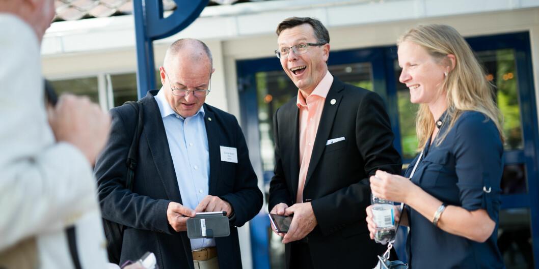 Rektor på NTNU Gunnar Bovim (t.v.), rektor på UiB Dag Rune Olsen (midten) og rektor på NMBU Mari Sundli Tveit (t.h.), samt UiO-rektor Svein Stølen og Anne Husebekk ved UiT, er ifølge Olsen, alle positive til en nasjonal avissatsing. Foto: Skjalg Bøhmer Vold
