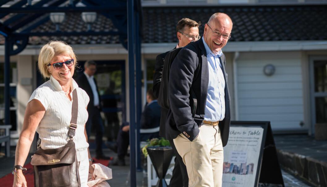 Rektorene ved tre av de fire eldste universitetene, Anne Husebekk (UiT), Gunnar Bovim (NTNU) og Dag Rune Olsen (UiB) har satt i gang direktørene sine, sammen med UiO, til å gjennomføre felles anbudsrunder på administrasjon- og it-systemer. Bildet er tatt på Arendalsuka i fjorsommer. Foto: Skjalg Bøhmer Vold
