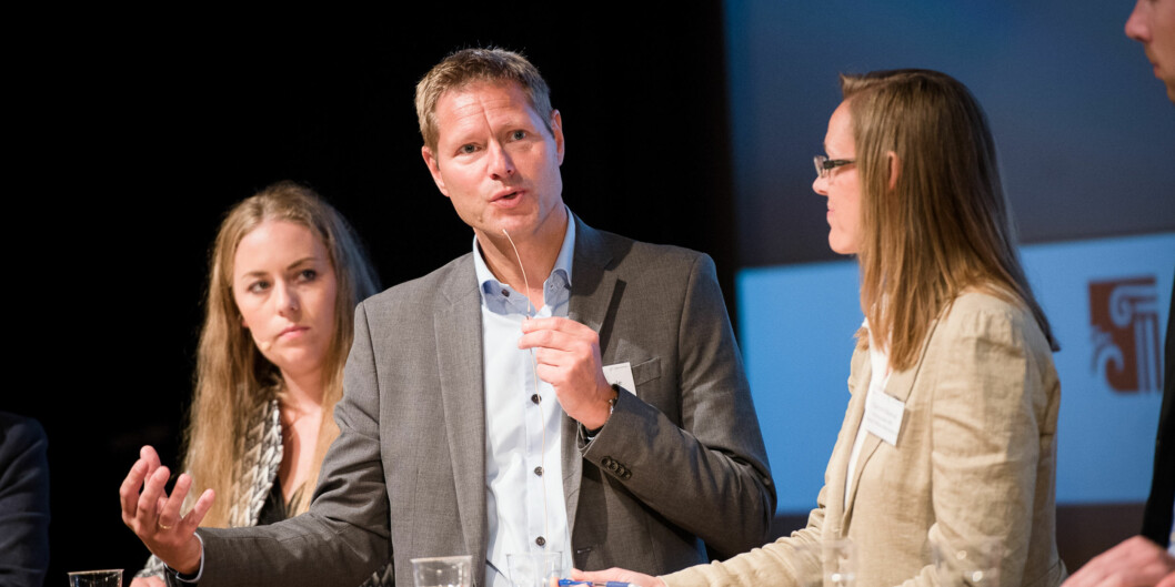 """Direktør i Norsk institutt for studier om innovasjon, forskning og utdanning (<span class=""""caps"""">NIFU</span>), Sveinung Skule på seminar underArendalsuka. Foto: Skjalg Bøhmer Vold"""