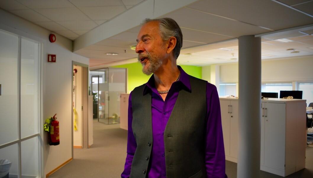 Oddvar Kværnhaug (70) går i sommer av med pensjon etter 30 år med opptak til høyere utdanning. Foto: ØysteinFimland