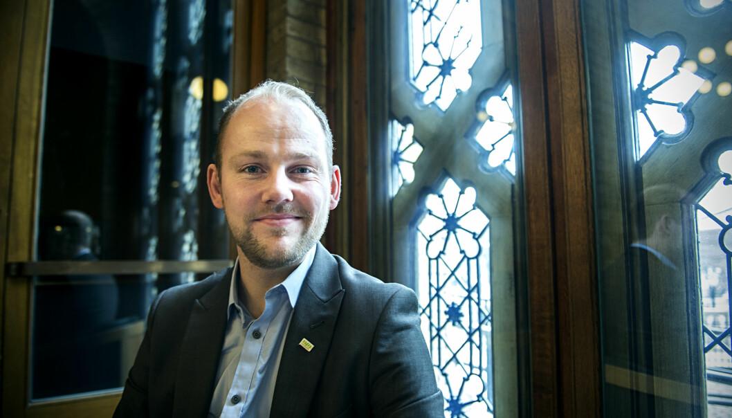 Leder for Norsk studentorganisasjon, Anders Kvernmo Langset, og landsstyret, vil at kunnskapsministeren trekker forslag om nasjonale deleksamener. Foto: Cicilie S.Andersen