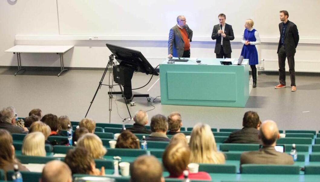 Nye NTNU skal bli bedre i alle retninger. Her er fusjonspartnerne på allmøte for ansatte og studenter ved Høgskolen i Sør-Trøndelag tidligere ivår.