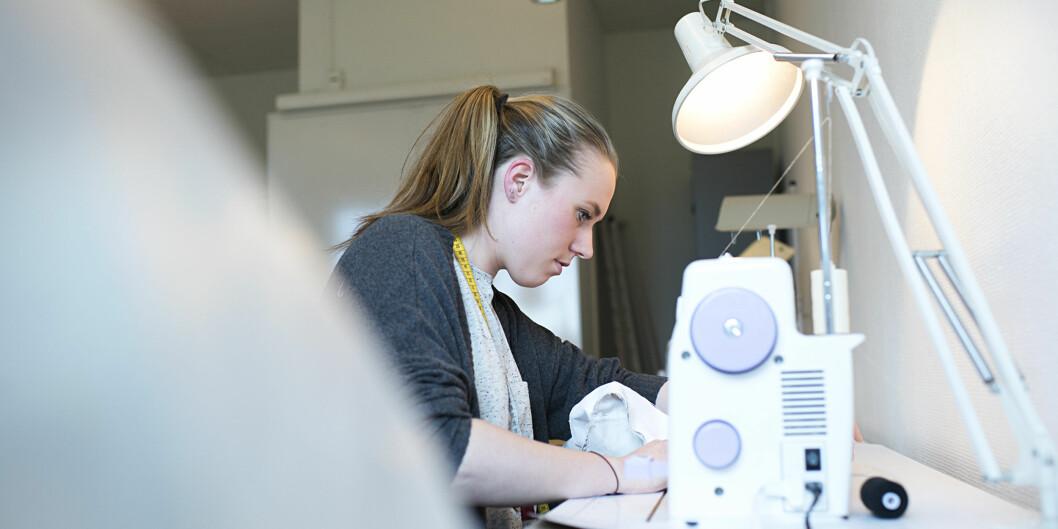 Anette Røren Gulbrandsen fikk tilbud om jobb i Norrøna før hun var ferdigutdannet. Foto: Cicilie S. Andersen