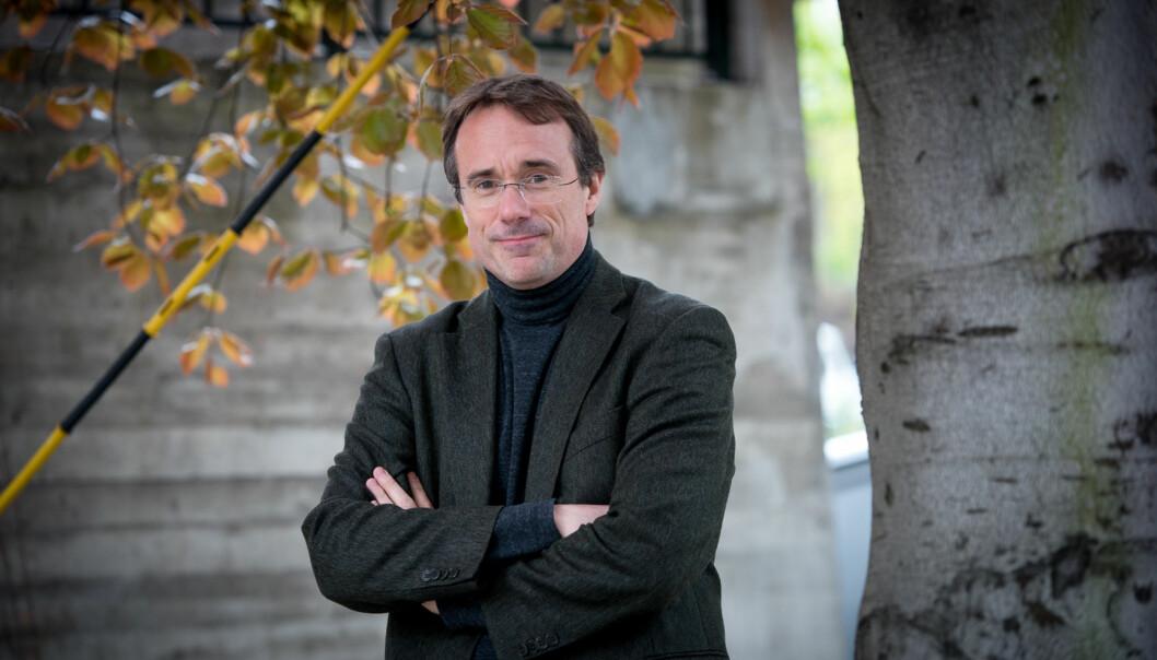 Johann Roppen er valgt som rektor for en ny fireårsperiode ved Høgskulen i Volda, som også skal ha nytt styre fra sommeren. Foto: Skjalg Bøhmer Vold