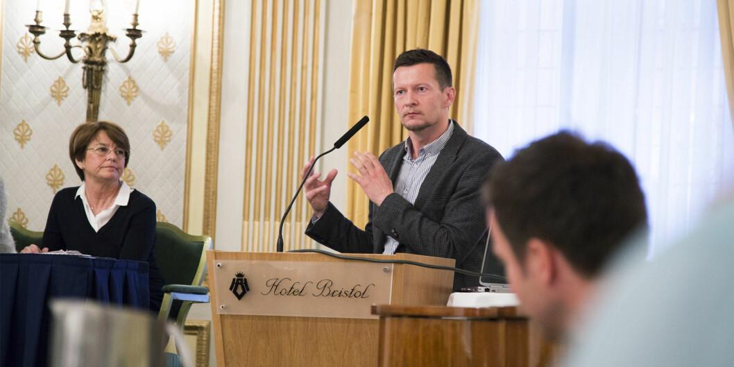 """Direktør i <span class=""""caps"""">NOKUT</span>, Terje Mørland, kommenterer ny rapport om relevans og samarbeid mellom arbeidsliv ogakademia. Foto: Øyvind Aukrust"""