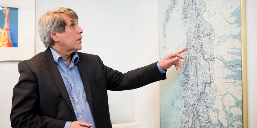 Rektor ved Høgskolen i Narvik, Arne Erik Holdø, velger å se mot nord og vil ha fusjon med Universitetet iTromsø. Foto: Skjalg Bøhmer Vold