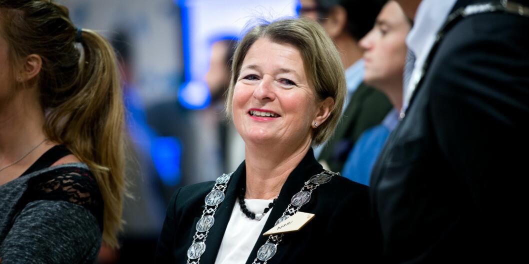Rektor Anne Husebekk og hennes prorektorer skal drive valgkamp uten motkandidater fram mot rektorvalget 1.-8.mars. Foto: Skjalg Bøhmer Vold