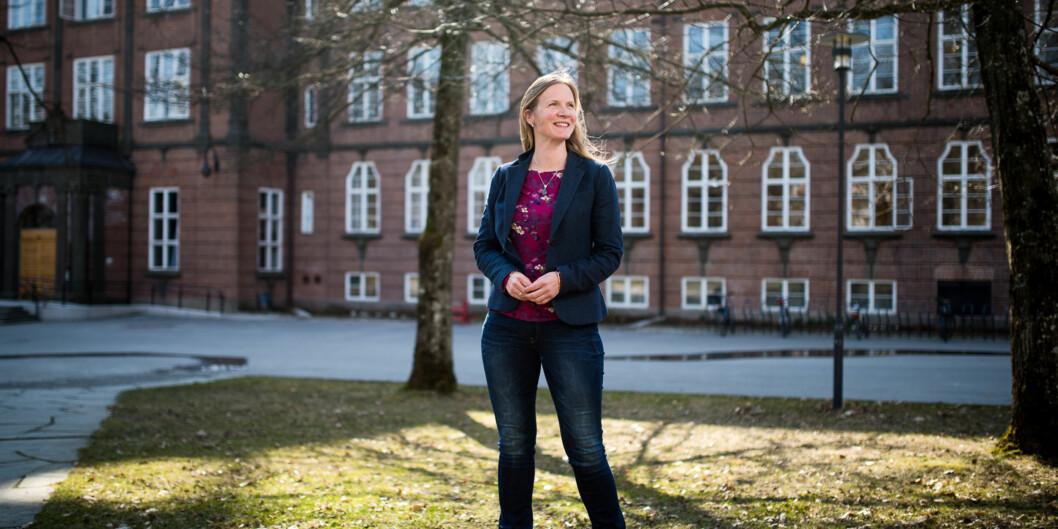 """Rektor Mari Sundli Tveit ved <span class=""""caps"""">NMBU</span> leder en gjeng forskere som er de flinkeste i universitets- og høgskolesektoren til å hente inn midler fraForskningsrådet. Foto: Skjalg Bøhmer Vold"""