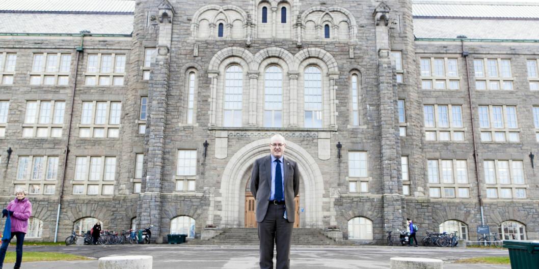 Rektor Gunnar Bovim på NTNU kan glede seg over 110 nye ikt-tudieplasser og ni stipendiatstillinger, og er den som øker mest blant alle institusjonene. Foto: Wanda Nathalie Norstrøm