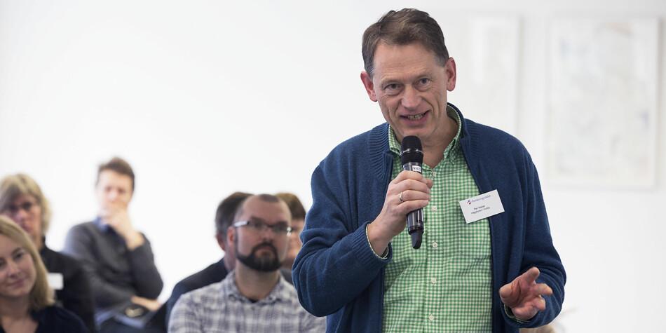 Professor Per Halse blir vikar for direktøren som skal ut i svangerskapspermisjon ved Høgskulen i Volda. Foto: SKjalg Bøhmer Vold