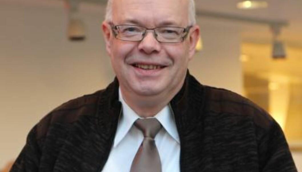 Sven Erik Forfang, rektor ved Høgskolen i Nesna med lavere skuldre inn isommeren.