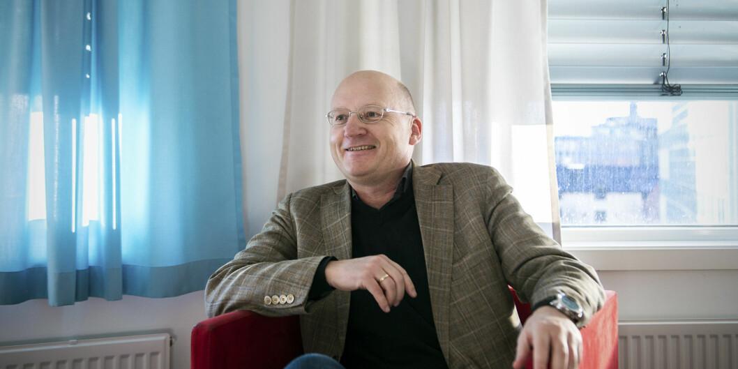 Dag Jenssen, dekan på Fakultet for samfunnsfag, kan smile godt for resultatene på publisering av forskning i 2014. Fire av hans fem institutter ligger i toppen påHiOA.