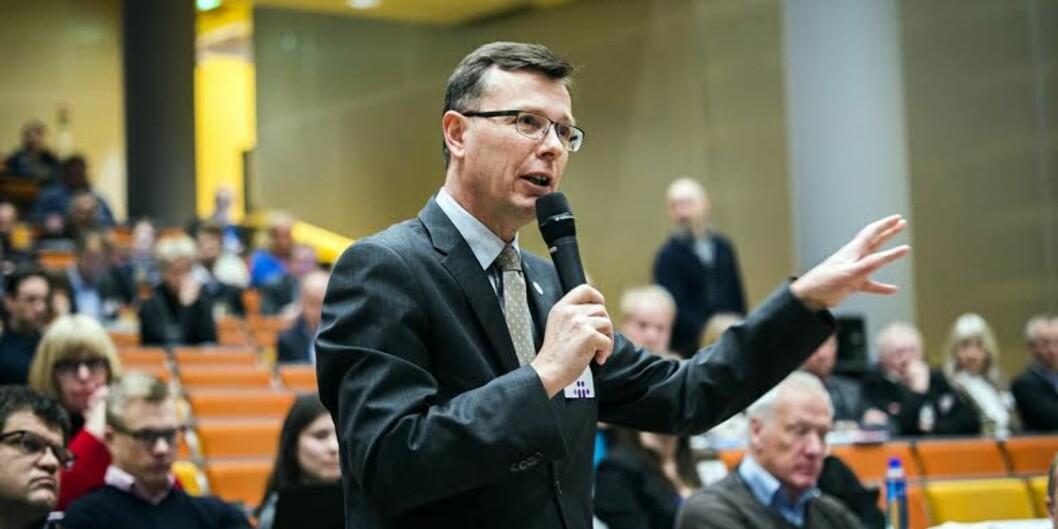 Rektor på Universitetet i Bergen, Dag Rune Olsen, vil ha høyere utdanning bedre fram i valgkampen.
