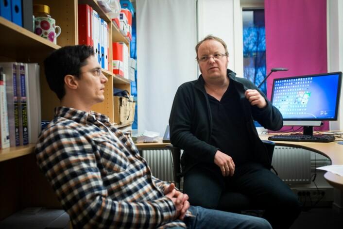 To av underskriverne, matematikkprofessor Lars Tuset (t.h.) og førsteamanuensis Simen Bræck (t.v.). Foto: