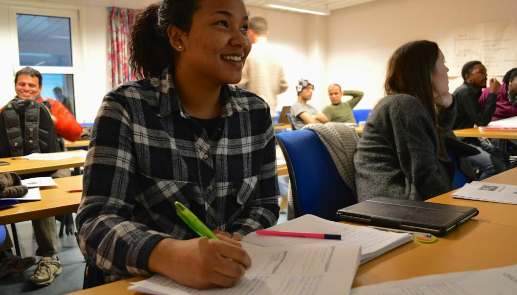Masterstudent ved flerkulturell og internasjonal utdanning, Cynthia Ah-Pew, synes Oslo kommunes mentorprogram for flerkulturelle virkerinteressant.