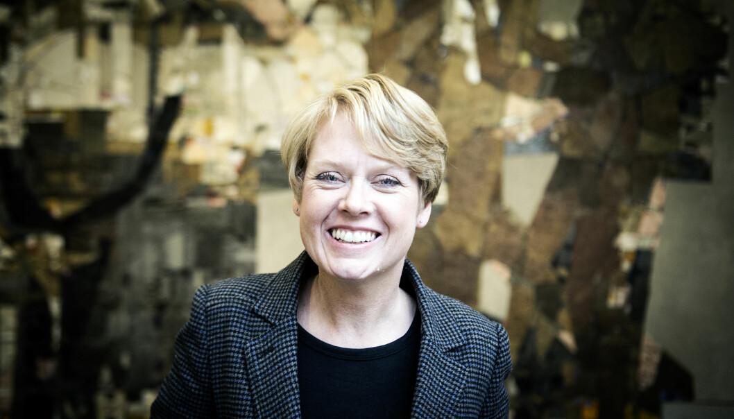 Arbeiderpartiets Marianne Aasen lurer på hva statsråd Torbjørn Røe Isaksen mener om de foreslåtte endringene ved landets nordligsteuniversitet. Foto: Cicilie S. Andersen