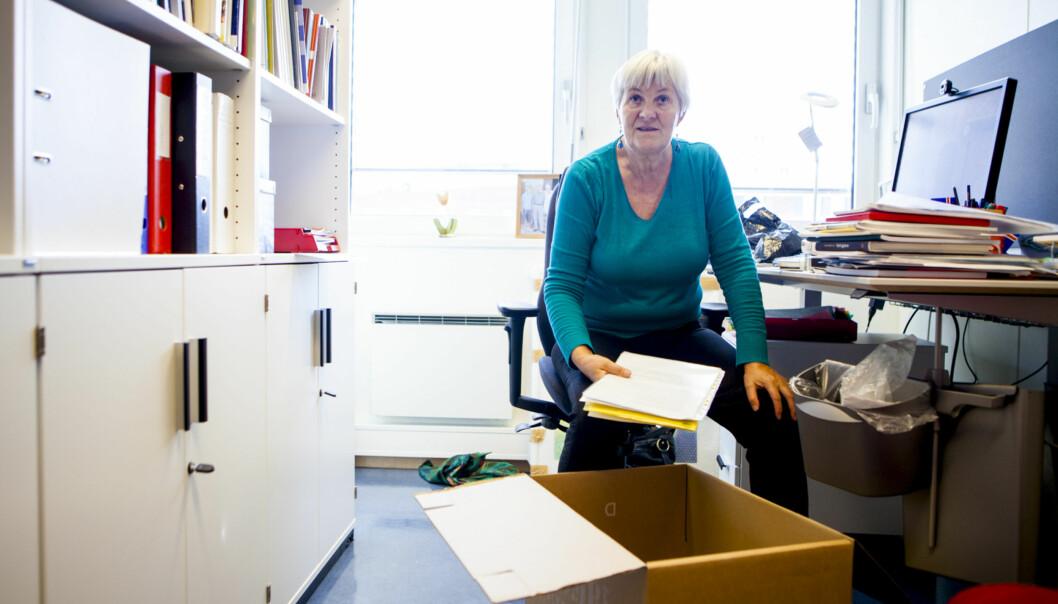 Helga Johannesdottir pakker ut flyttelasset i Stensberggata 26, men ville helst blitt i Pilestredet35. Foto: Wanda Nathalie Nordstrøm
