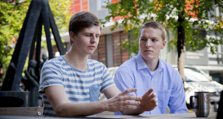 Gutta er bekymra for «kvinne»-høgskolen