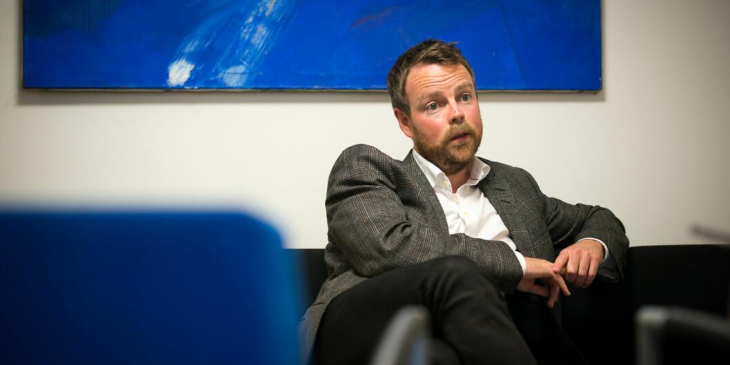 Statsråd Torbjørn Røe Isaksen ønsker ikke å vente på behandling i Stortinget før han legger alle høgskolene inn under unviersitetene iNord-Norge. Foto: Skjalg Bøhmer Vold