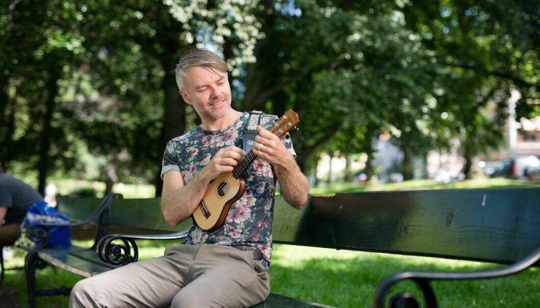 Han vil at studentene skal våge litt ekstra, og krever det samme av seg selv, høgskolelektor SveinFuglestad. Foto: Skjalg Bøhmer Vold