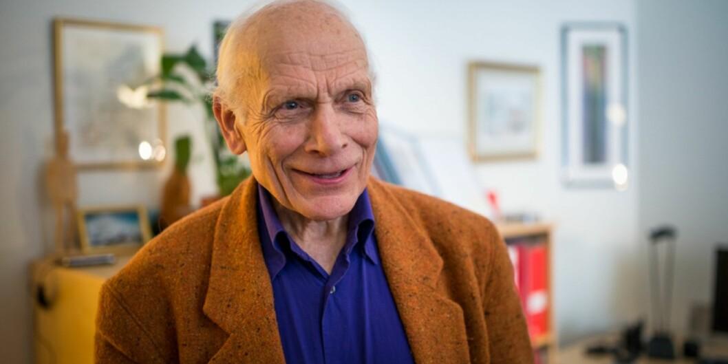 Per Østerud er en tre forfattere bak den nye boka om lærerutdanningen i etterkrigstiden. Foto: Skjalg BøhmerVold