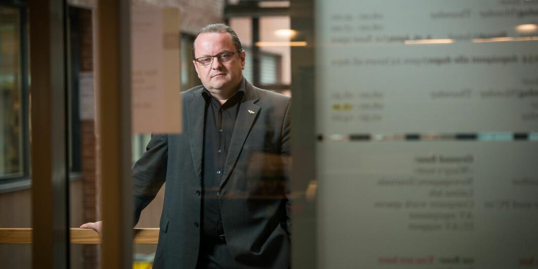 Førsteamanuensis Arne Håskjold Krumsvik etterlyser mer forskning på medienes rolle ogbetingelser. Foto: Skjalg Bøhmer Vold