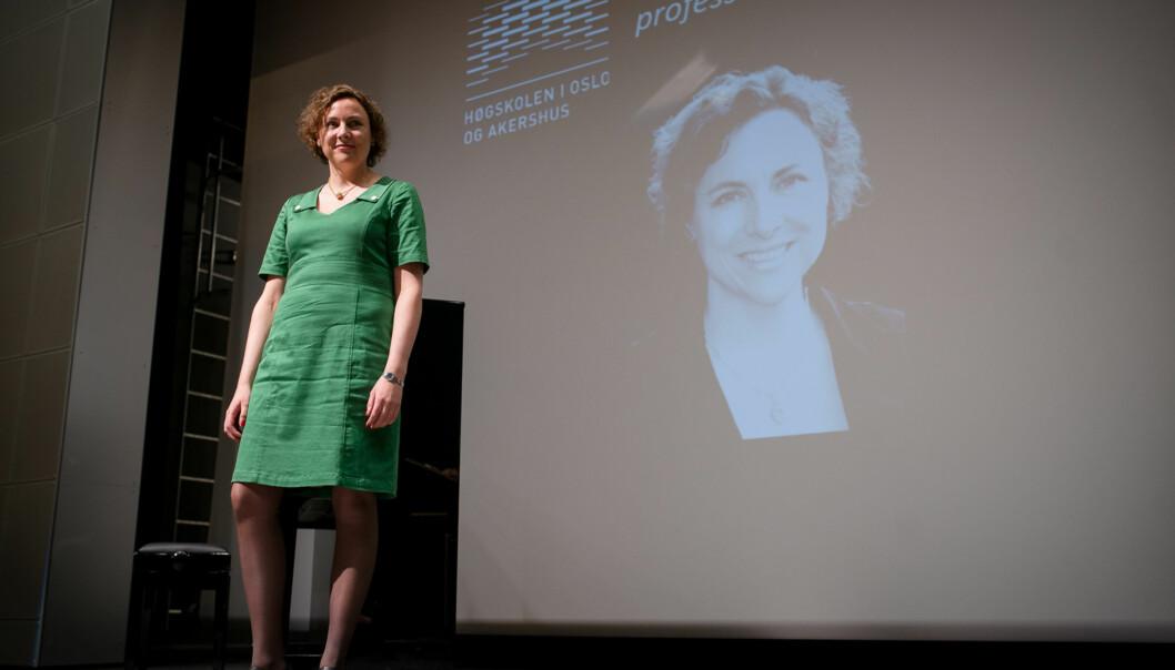Anne Gerd Granås er en av flere nye kvinnelige professorer ved Høgskolen i Oslo og Akershus det siste året. Torsdag ble hun hedret sammen med tre andre kvinner og tre menn som alle har rykket opp til professor ellerdosent. Foto: Skjalg Bøhmer Vold