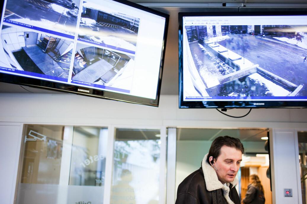 Illustrasjonsfoto fra sikkerhetskontroll på OsloMets campus på Kjeller med brannvern- og sikringsleder Odd Harald Johansen. Foto: Patrick da Silva Sæther
