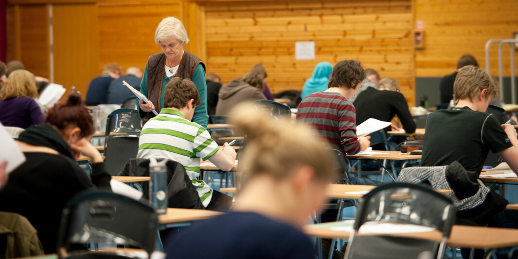 Elever i avgangsklassene på videregående skole har fått et annerledes semester. Når de nå slipper skriftlig eksamen vil alle få et litt bedre vitnemål enn normalt.
