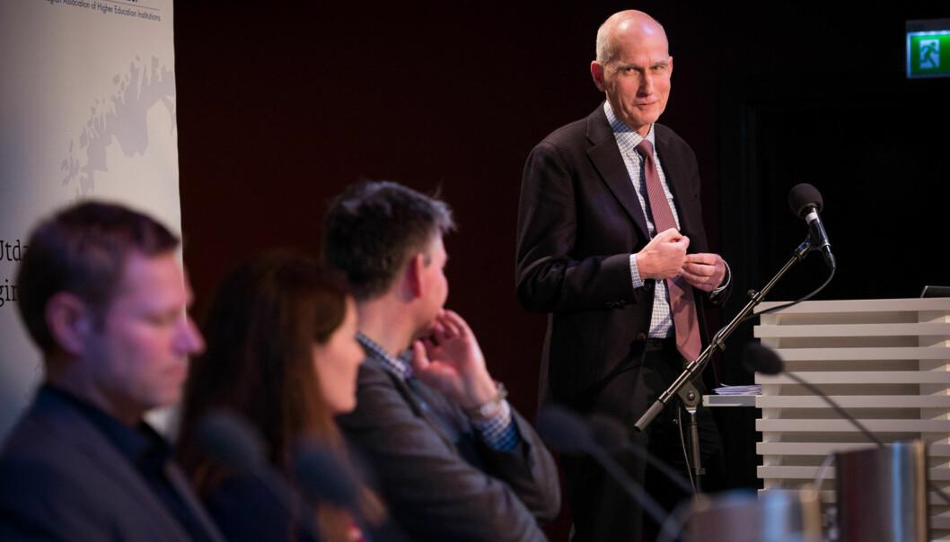 Leder av det nasjonale publiseringsutvalget, Nils Erik Gilhus, vil ikke ha større bredde i dagens ordning for tildeling av publikasjonspoeng innenforskning. Foto: Skjalg Bøhmer Vold