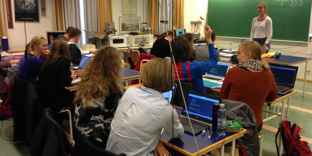 """Lærerutdanning og utdanning i helsefag er noe av det sikreste i forhold til å få jobb i framtida, men utdanningsinstitusjonene må utdanne flere av dem, heter det i en fersk <span class=""""caps"""">SSB</span>-rapport. Foto: Eva Tønnessen"""