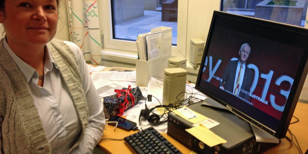Høgskolelektor Annette Drangsholt Nilsen lar seg både inspirere av, og hun bruker det andre forelesere gjør og får til, via nye digitalelæringsmetoder. Foto: Eva Tønnessen