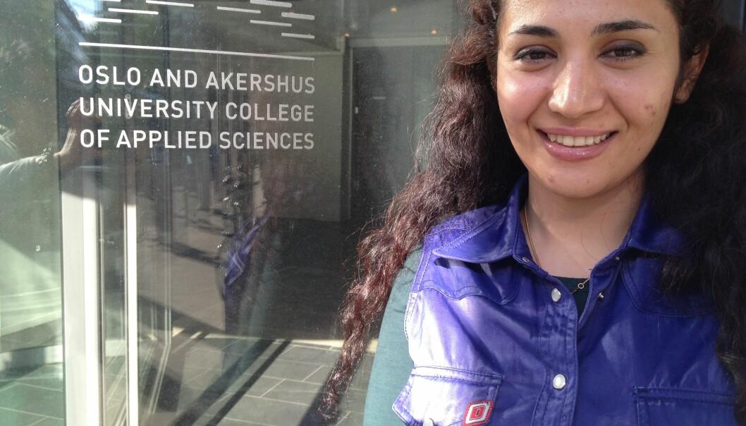 Akram Yousefi fra Iran har begynt første året ved HiOA som ingeniørstudent, og venter fortsatt på svar fra politiet omoppholdstillatelse. Foto: Tove Lie