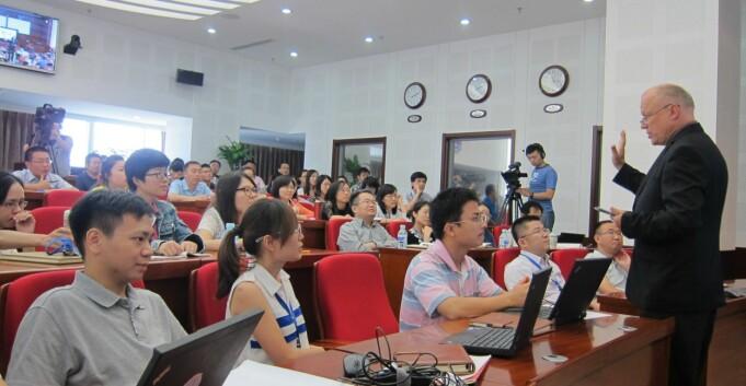 Høivik prof. 2 i Kina