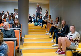 Overbooket med 582 høgskolestudenter