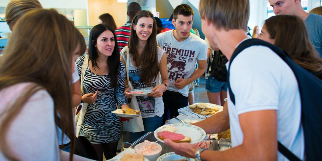 Internasjonlisering er viktig, men Norge mottar færre gradsstudenter fra utlandet. Foto: Skjalg Bøhmer Vold