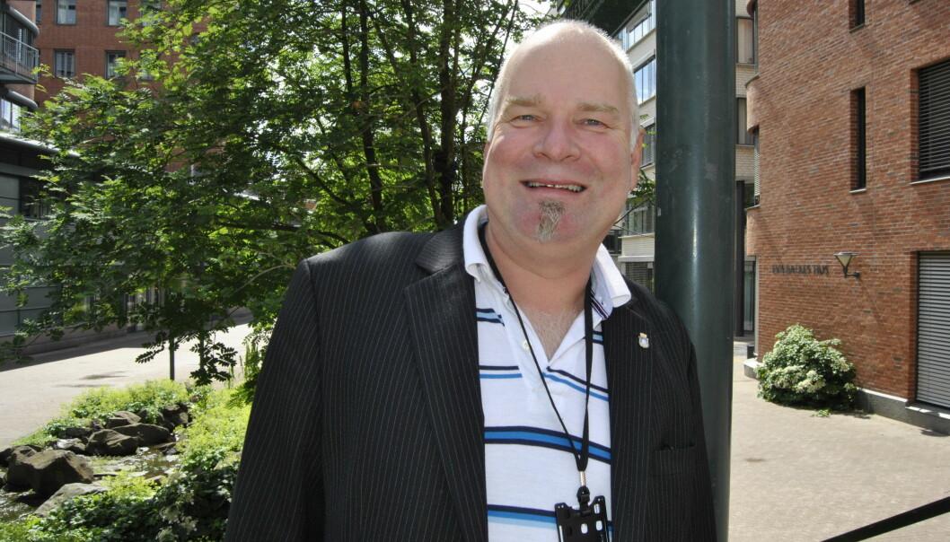 Hovedtillitsvalg veed OsloMet, Erik Dahlgren, er godt fornøyd med at de faglige ansatte får utbetalt overtid og at man i tillegg skal forhandle om lønnstillegg for alle i kjølvannet av koronapandemien.
