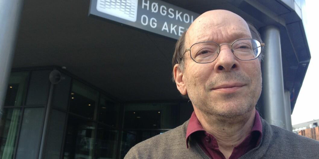 — Jeg mener det er grenser for ytringsfriheten, men de går ikke her, sier dr.juris Jens Petter Berg om IslamNet-saken. Foto: Tove Lie