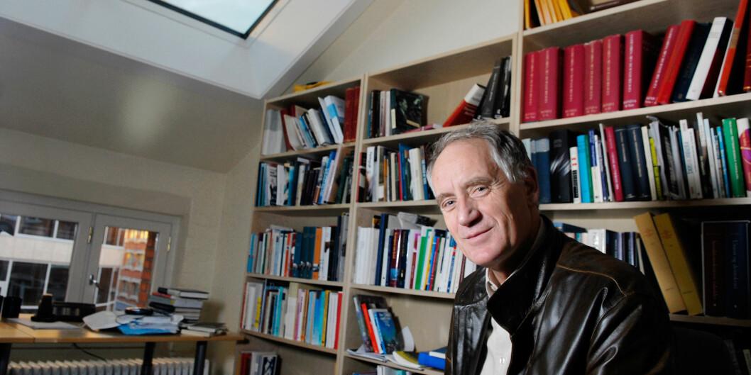 Professor Rune Slagstad fikk åtte måneders oppsigelsestid heller enn seks fordi ledelsen glemte å registrere oppsigelsen hans. Foto:HiOA Foto: HiOA
