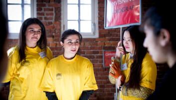 Høgskolestudenter stilte opp for å gi omvisning under åpen dag på Høgskolen i Oslo og Akershus (HiOA).