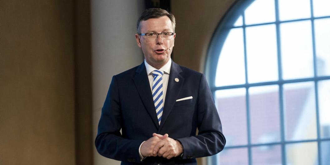 Rektor Dag Rune Olsen ved Universitetet i Bergen mener at ansvaret for saker om seksuell trakassering må ligge lokalt. Foto: Tor Farstad