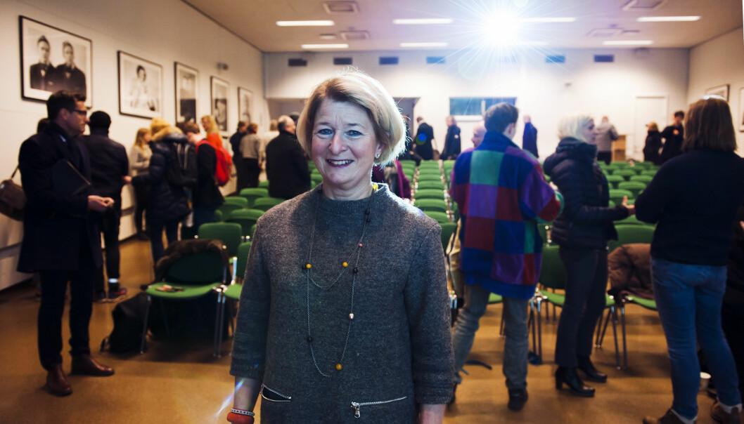 Rektor Anne Husebekk ved UiT møtte ansatte ved Tromsø museum og Kunstfakultetet på et allmøte før jul for å orientere om planene om å utrede sammenslåing.Foto: Adnan Icagic
