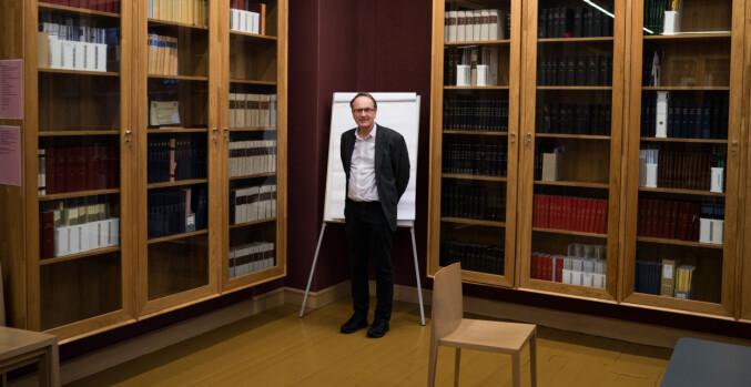 Dekan Dag Michalsen mener det er uheldig at det kun er menn i ledelsen av fakultetet, men hadde ingen innflytelse på valget. Foto: David Engmo