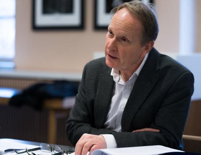 — Vi hadde en diskusjon om bistillinger i advokatfirmaer, som endte med at dette fra 2012 ikke er lov. sier dekan Dag Michalsen ved Det juridiske fakultet, UiO.
