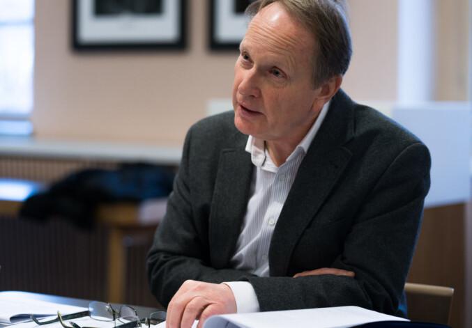 Dekan Dag Michalsen har sentralisert all håndtering av saker som handler om seksuell trakassering ved Det juridiske fakultet i Oslo. Foto: David Engmo