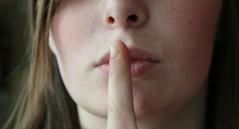 Taushet er et demokratisk problem