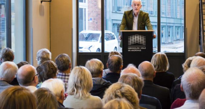 Professor Rune Slagstad og Jan Messel lanserte verket Profesjonshistorier på Høgskolen i Oslo og Akershus 2014. Foto: Petter Egge