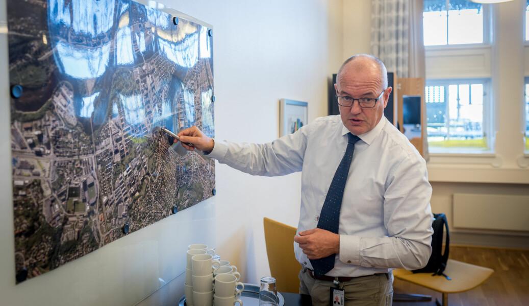 NTNUs rektor Gunnar Bovim har ombestemt seg, og vil ha kontorplass til vitenskapelig ansatte, ikke landskap, på NTNUs nye campus. Foto: Skjalg Bøhmer Vold