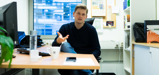 Eit sjukdomsteikn, meiner Mats Beldo, om at det går sakte med tiltak mot seksuell trakassering ved universitet og høgskular. Foto: David Engmo